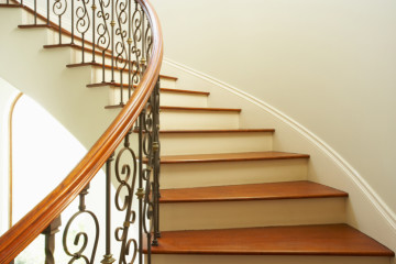 Curving staircase in home